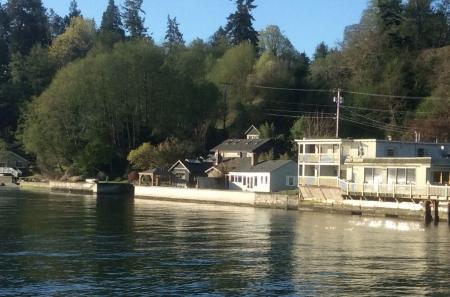 Beautiful Waterfront Cabin on North Vashon Island