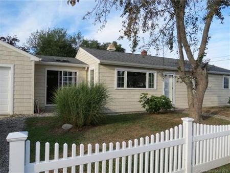 adorable ranch in beach community