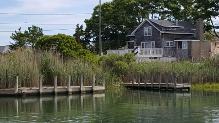 Saybrook almost beach-front, private beach, boat launch, shallow dock, secluded