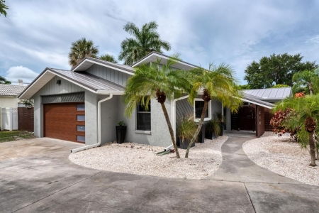 Welcome Home to your Luxury, Tranquil, Beach Living Paradise on Lido Key!