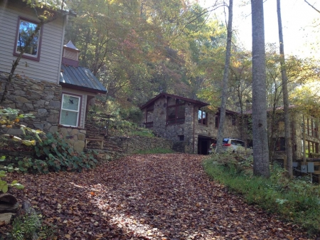 Eco-Friendly up to 6 BR, 13 BEDS, in country Between Nantahala & Bryson CityWIFI