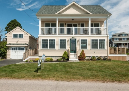 New Home With Spectacular Ocean Views. Close To Beaches, Town And Nubble Light!