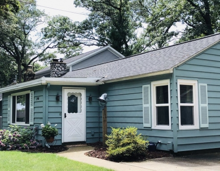 3- bedroom Cottage also available for monthly rental December 1 - April 30, 2020