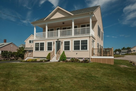 New Home With Spectacular Ocean Views. Close To Beaches, Town And Nubble Light
