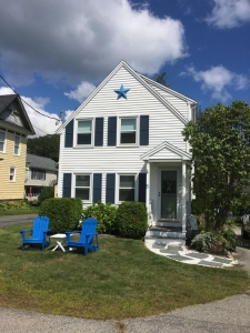 3 minute Walk to Short Sands beach and downtown from your vacation home!
