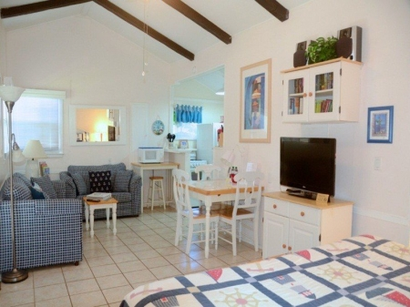Cottages by the Ocean - studios, 1/1 - Walk to Beach