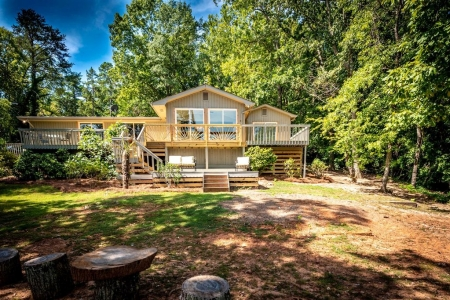 NEW LISTING! Newly Rennovated Lake House on Wylie!