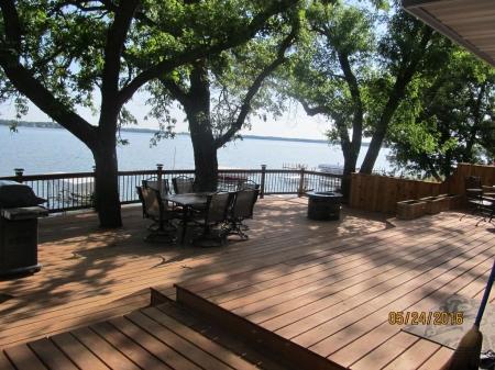 4 Bedroom Lakefront Property!