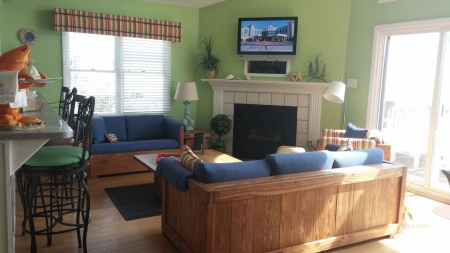 Fantastic Oceanfront View Pet Friendly Walking distance to most EI activities