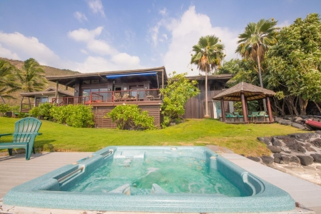 Beautiful oceanfront 4 BR for 13! Weddings, Receptions!