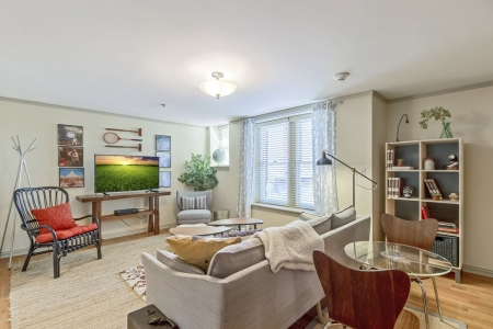 1 Bedroom With Modern Decor In Classy Midtown Address