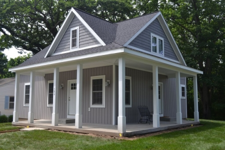 Saugatuck: Newer Home ~ Steps From Everything!