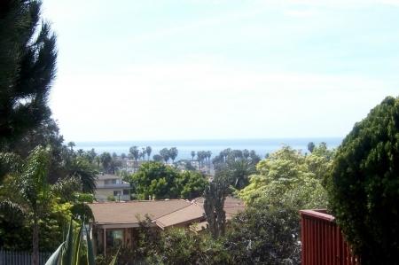 Sea View Bungalow at Ocean Beach in San Diego
