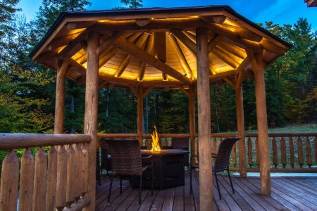Luxury Log Home on the Sunday River- Hot Tub, Sauna, Pool Table, 2 Fire Pits