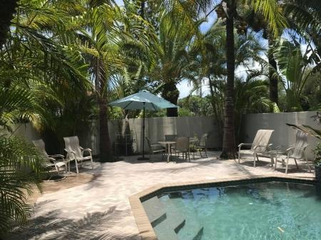 Lido/Sarasota, St.Armand's HEATED POOL home w/grill, walk to Beach &St. Armand
