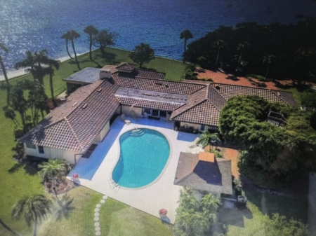 Beautiful, secluded oasis just minutes from famed lido beach and st Armand's cir