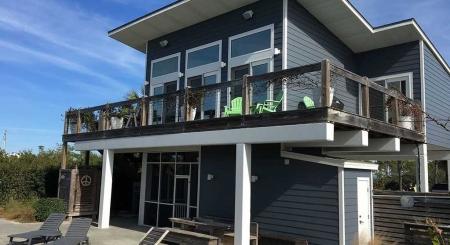 Bow Wow Bungalow - Gulf View w/fenced yard