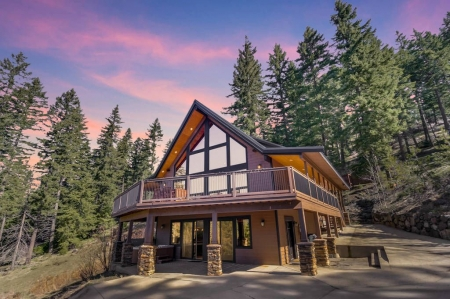 SAVE 25%-Luxury Private Mountain Home   Amazing Views   Game Rm   Hot Tub